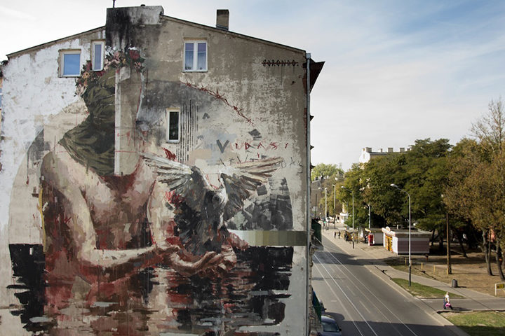 Lodz Murals finished wall by Gonzalo Borondo Photo by Lodz Murals